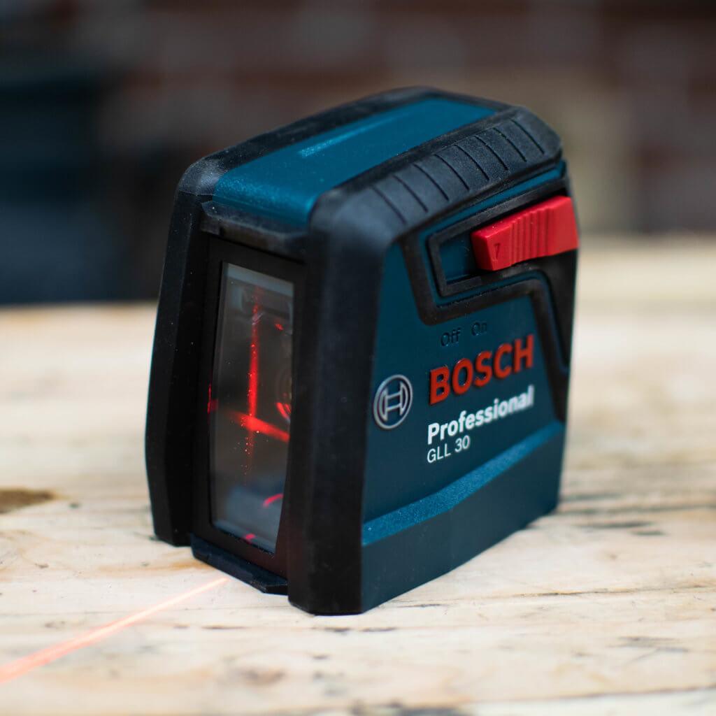 bosch 30ft laser self leveling cross line