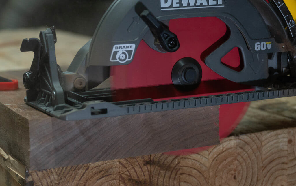 DeWalt flexvolt cordless brushless circular saw