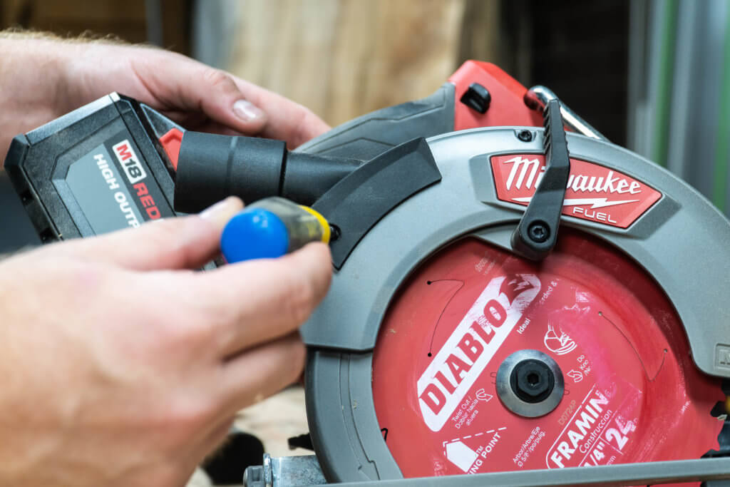 M18 FUEL 18-Volt Lithium-Ion Brushless Cordless 7-1/4 in. Circular Saw
