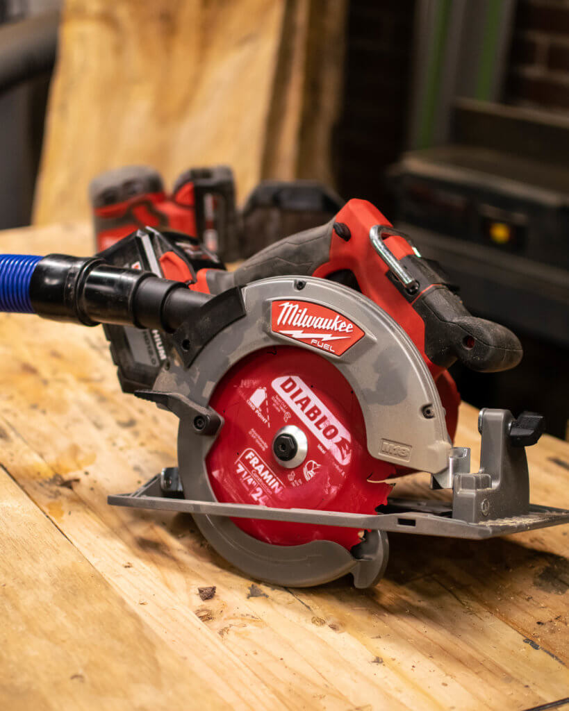 Milwaukee 18-Volt Lithium-Ion Brushless Cordless 7-1/4 in. Circular Saw