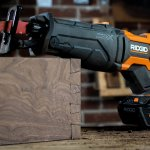 dovetails 18-Volt Octane Brushless Reciprocating Saw